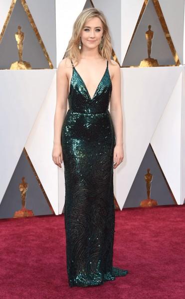 Saoirse Ronan - Vestido Calvin Klein