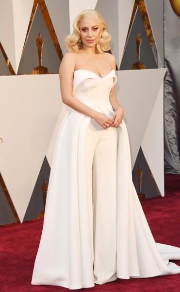 Lady Gaga - Vestido Brandon Maxwell